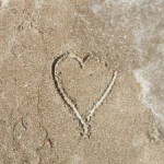 heart-in-the-sand-1031657-m